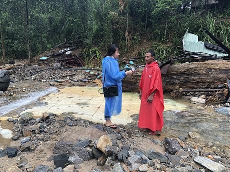 Trao yêu thương đến với bà con vùng bão tỉnh Quảng Nam