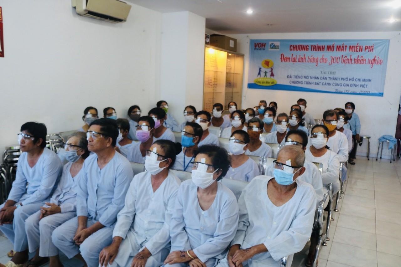 Hoạt Động Mổ Mắt Đem Lại Ánh Sáng Cho 300 Bệnh Nhân Nghèo- Tháng 6