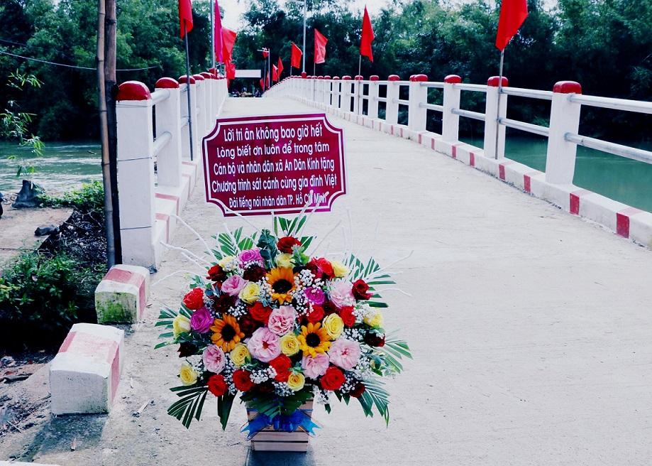 35 Năm - Cầu Cửa Tả